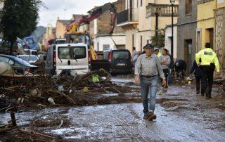 Preventing flooding risks through IoT